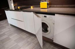 Установка стиральной машины на кухне Голицыно